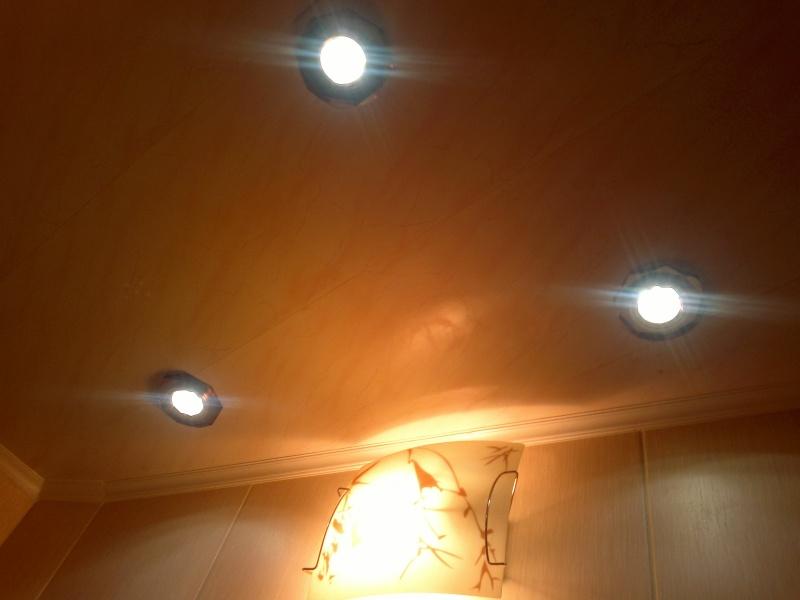 Как расположить точечные светильники в ванной