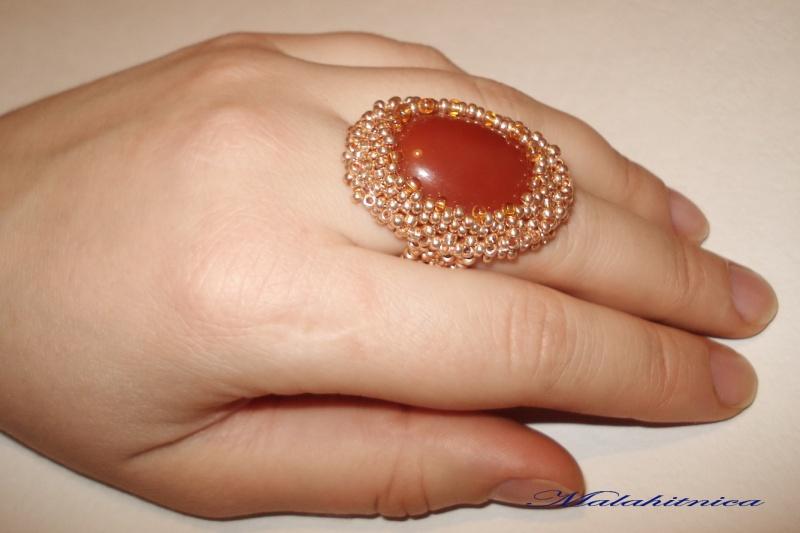 Перстень из сердолика.  Кабошон - сердолик, чешский бисер.