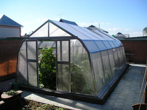 22275.00. Модель разработана специально для тех садоводов, которым нравится трехскатная форма теплицы...