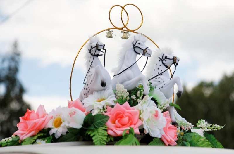 Оригинальные украшения на свадьбу своими руками