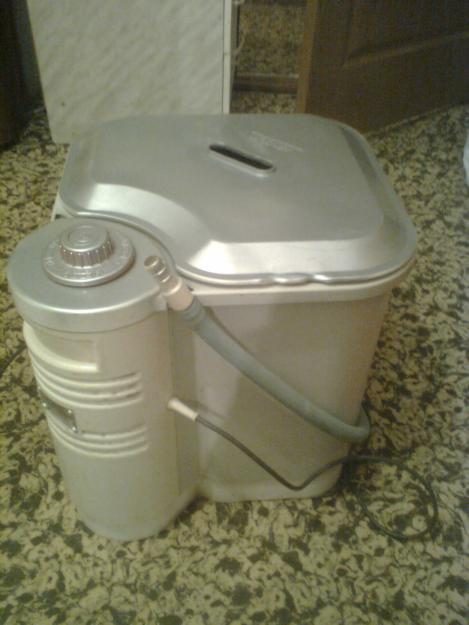 Продам стиральную машинку малютка ( ставится на ванну) очень удобна при маленьких габаритов ванной комнаты 1500 руб...