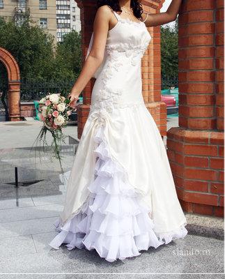 Продам свадебное платье Форма рыбка в Новосибирске.
