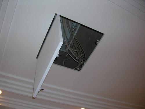 люк для потолка