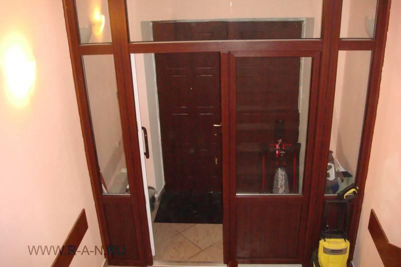 тамбур входных дверей квартиры