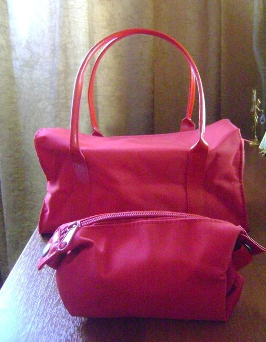 НОВЫЙ набор сумок (косметичек) от ИВ Роше.