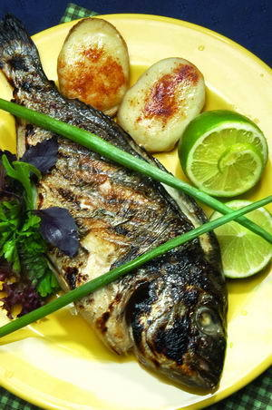 Рыбный ассортимент такой: корюшка, чехонь, омуль.