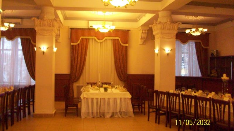 Исправлено пользователем Agnonim (26.11.10 13:39).  Вот фото банкетного зала в ДК Горького.