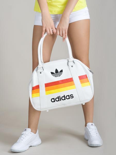 Сумка adidas.  Категории: Сумки, рюкзаки.