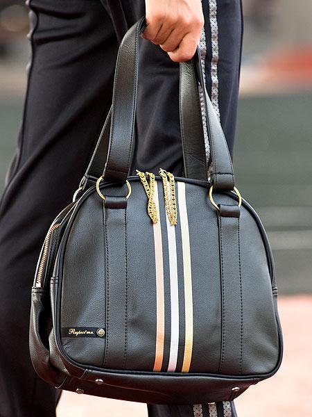 Муж подарил вот такую сумочку, оч довольна!