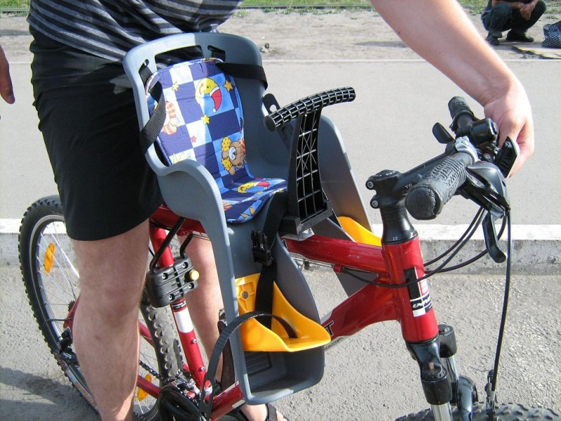 Кресло на велосипед для ребенка