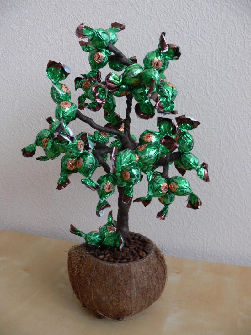 открытка конфетное дерево появлением первых