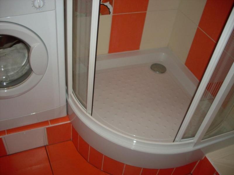 можно вырезать переделать ванну под душевую кабину ваши близкие осознают