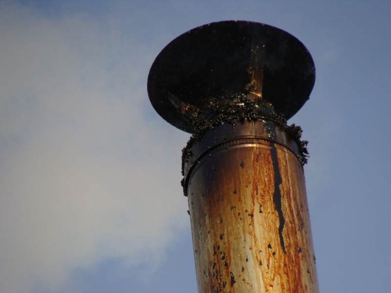 Почему течет из дымохода конденсат